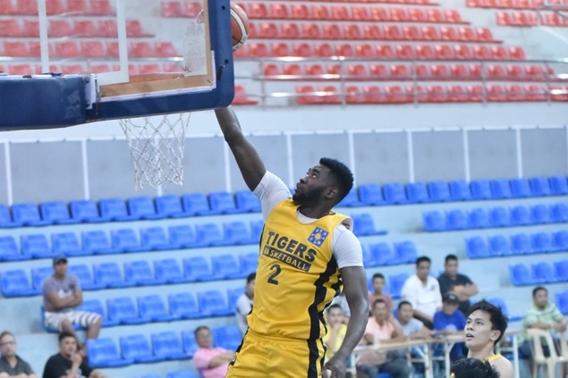UST turns back AMA to seal clash with third-seed Diliman College in Republica Cup semis