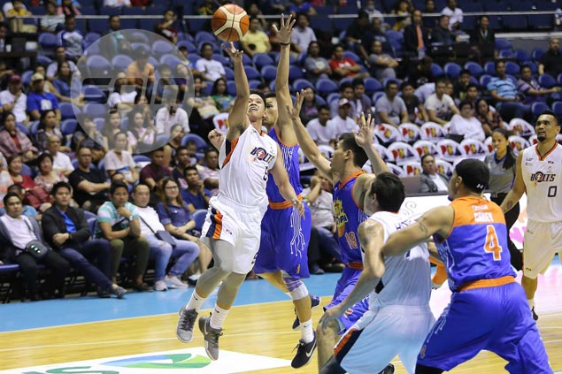 Baser Amer starting to blossom under guidance of premier point guards Alapag, Magsanoc