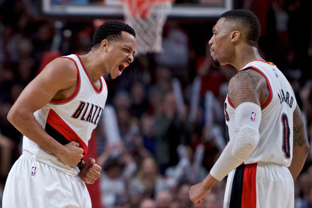 Damian Lillard heats up early as Blazers rout Knicks to stay a game behind West 8th-seed Nuggets