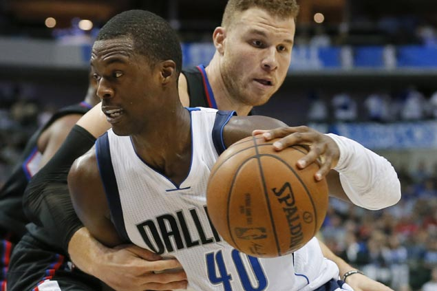 Harrison Barnes makes go-ahead basket, game-winning stop as Mavs squeak past Clippers