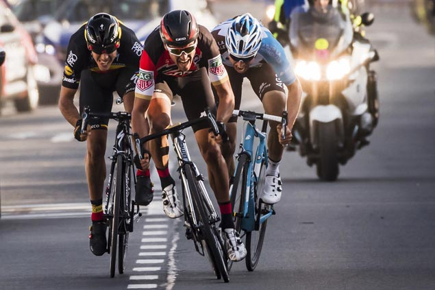 Olympic road champ Greg Van Avermaet tops 3-man sprint to rule E3 Harelbeke