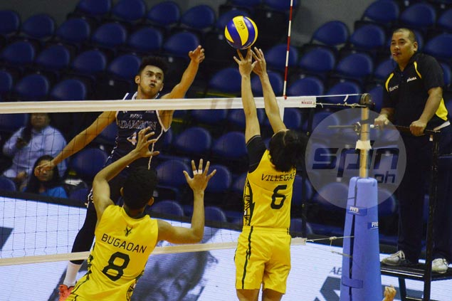 Adamson outlasts FEU in five to keep slim semis hopes alive