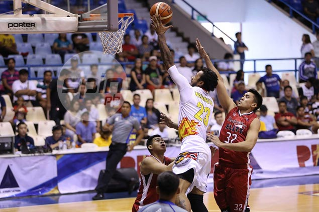 Jay Washington clutch as Rain or Shine frustrates Blackwater to remain unbeaten