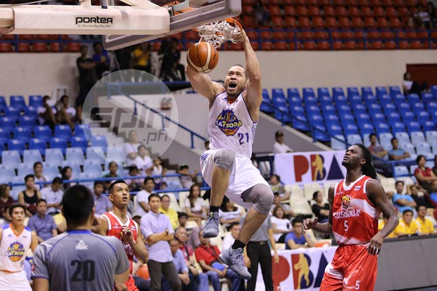 Jayson Castro brings order back to TNT KaTropa offense in one-sided win over Phoenix