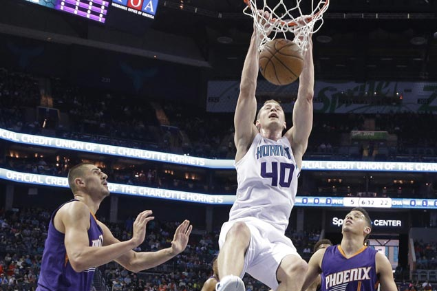 Hornets score wire-to-wire victory over Suns to get back on track