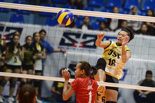 UST coach Kungfu Reyes explains sporadic use of top Tigresses blocker Ria Meneses