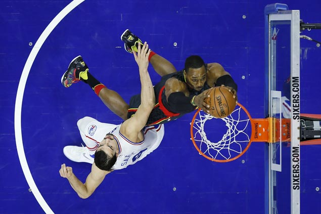 Dwight Howard 20-20 game propels Hawks past Sixers