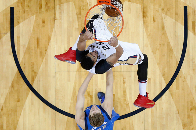 Boogie-Brow combine for 59 points, 29 rebounds as Pelicans edge Mavericks