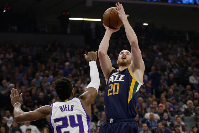 Surging Jazz avert collapse with strong finish to eliminate Kings from playoff race