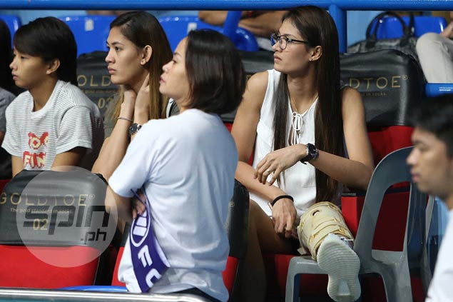 Dindin Santiago not giving up on PH team dream as she undergoes knee surgery
