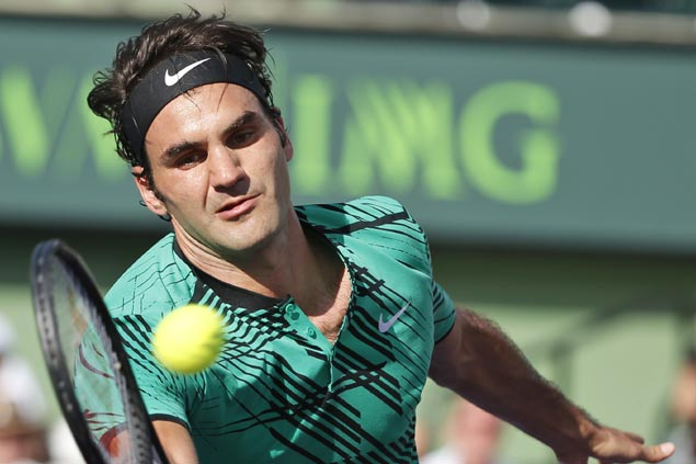 Roger Federer survives two match points to outlast Tomas Berdych in Miami Open quarters