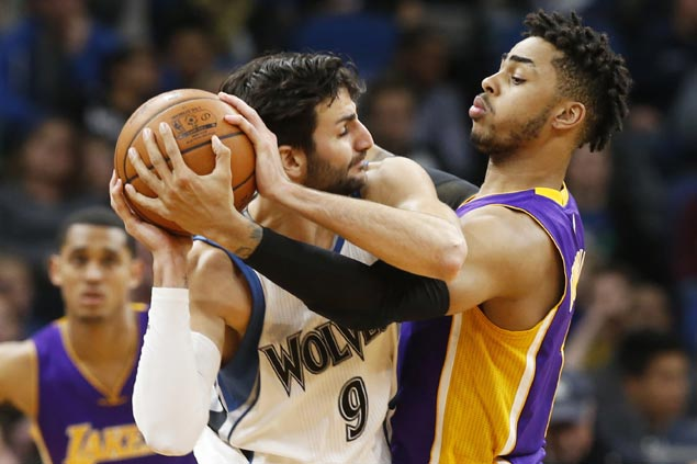 Ricky Rubio drops career-high 33 as surging Timberwolves turn back struggling Lakers