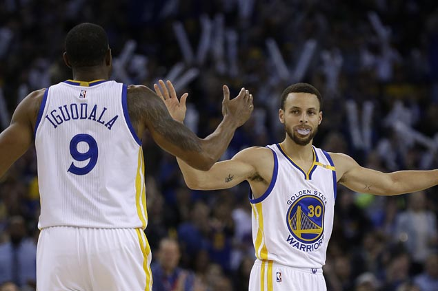 League-leading Warriors shut down Rockets gunners late to stretch win streak to 10