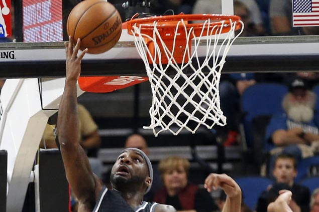 Kings snap two-game skid and halt Timberwolves' win run at two