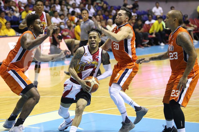 San Miguel quick to shake off rust after long layoff, deals Meralco its first loss
