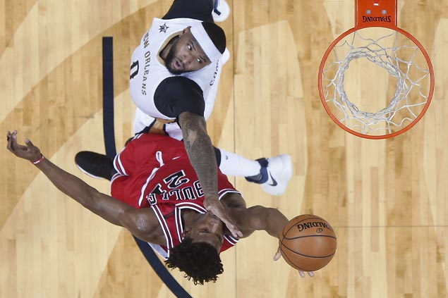 Jimmy Butler scores 39 as Bulls down Pelicans to stretch streak to four