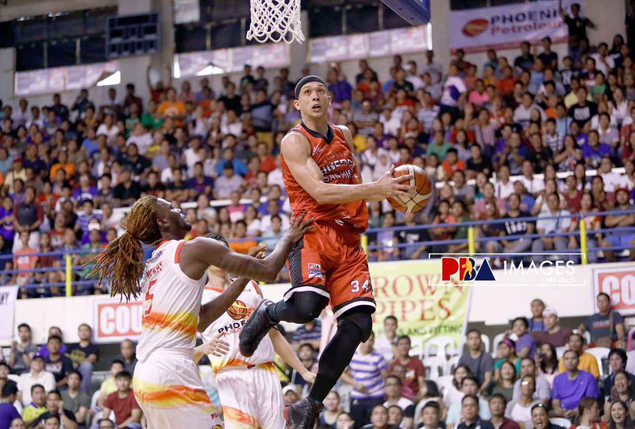 Chris Ellis so frustrated with 'slippery' retro shoes worth P9K he left pair in Davao