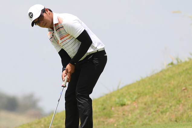 Veteran Benjie Magada, young pro Justin Quiban set pace at PGT Eastridge