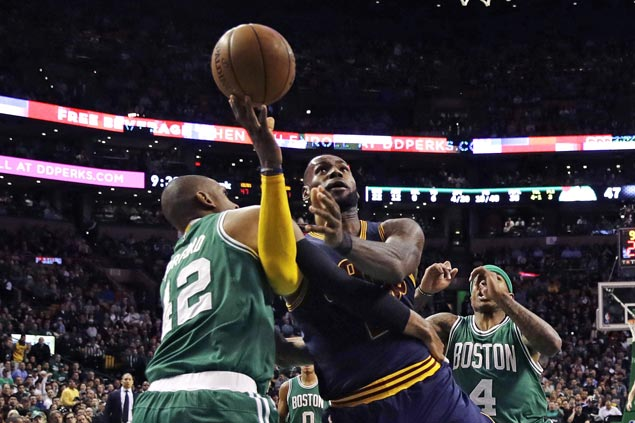 Cavaliers regain top spot in the East with rout of Celtics