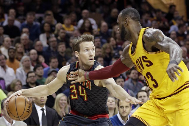 Hawks squander early double-digit lead but recover to beat Cavaliers