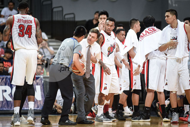 Alaska drubbing at Meralco's hands a wake-up call for Aces, says coach Alex Compton