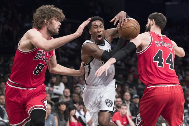 Nets squander huge early lead but rally to beat Bulls