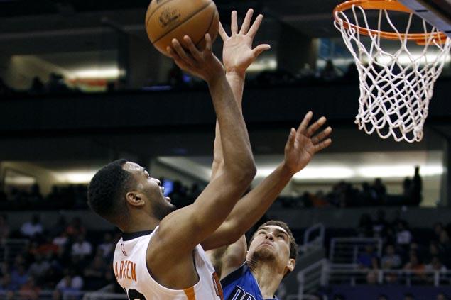TJ Warren, Devin Booker show way as Suns defeat Mavericks