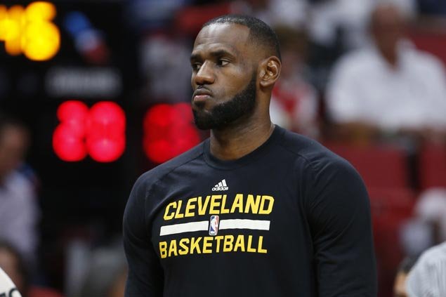 LeBron James to miss Cavs regular-season finale for 10th straight year due to calf strain