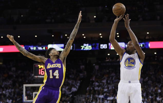Warriors take control early and ease to victory over Lakers in regular season finale
