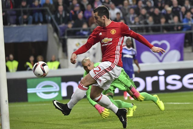 Sloppy Manchester United settles for draw vs Anderlecht in first leg of Europe League QF