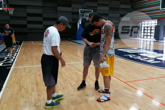 Star finds time for reflection as Hotshots welcome sports ministry to practice