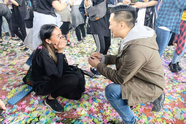Former La Salle skipper Cha Cruz gets engaged during Coldplay concert in Seoul