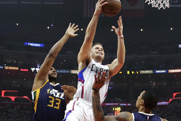 Clippers ride strong start in wire-to-wire win over pesky Jazz to tie the series at 1-1