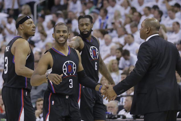 Clippers coach in awe as Chris Paul's late heroics make up for Blake Griffin early exit due to injury