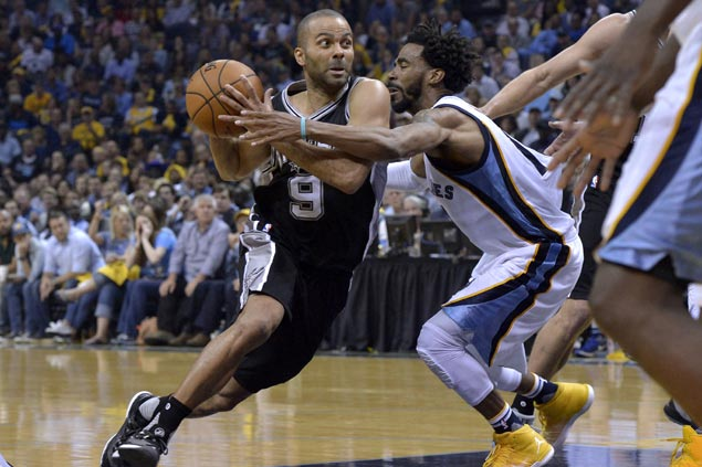 Tony Parker shows vintage form in carrying Spurs late in Game 6 to eliminate Grizzlies