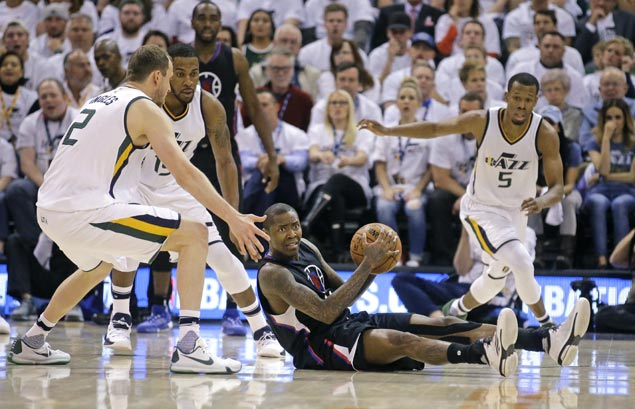 Chris Paul shows way and Clippers make Jazz pay for sloppy play