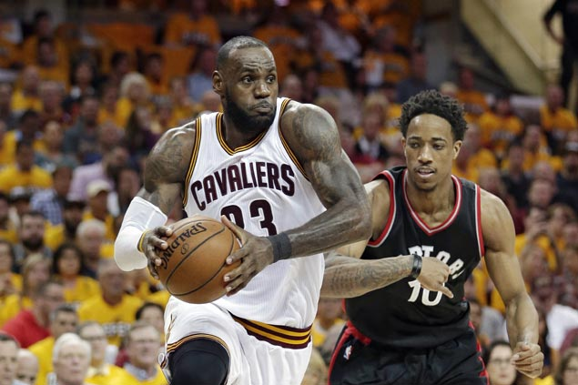 DeMar DeRozan offers $100 to anyone who can stop 'ultimate road warrior' LeBron James