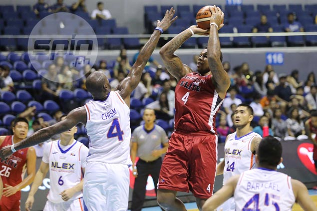 Greg Smith comes close to triple-double as rejuvenated Blackwater keeps NLEX winless
