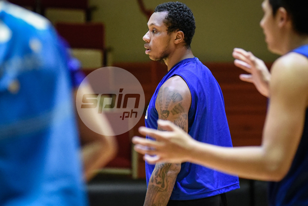 Inside-outside game, youth, attitude make Greg Smith ideal for Gilas, says Reyes