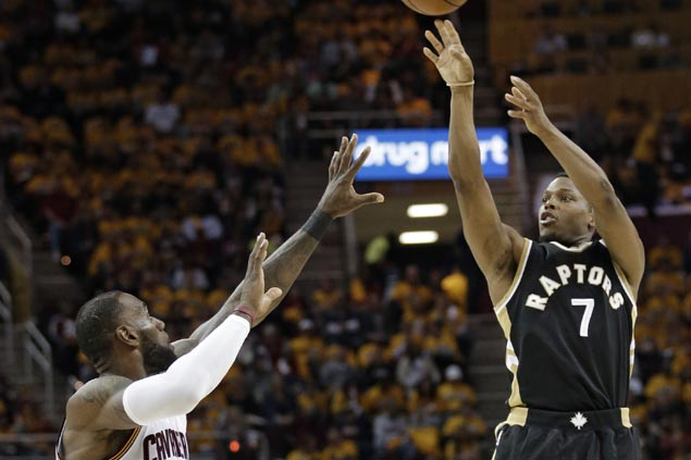Raptors rest star guard Kyle Lowry late in Game 2 loss to Cavs due to sprained ankle