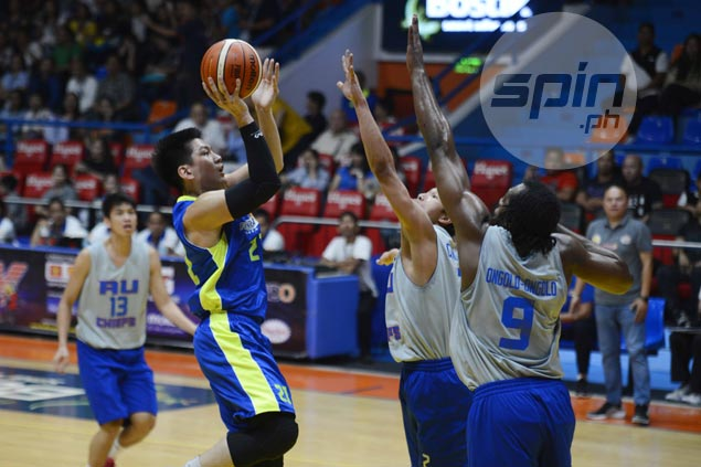 Jeron Teng, Eric Salamat take charge as Premier Cup guest team Flying V salvages draw with Arellano