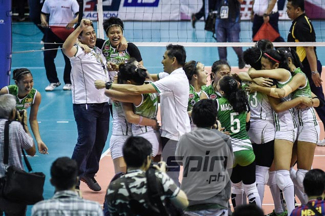 Ramil de Jesus savors La Salle title run with rare show of emotion in joining celebration huddle
