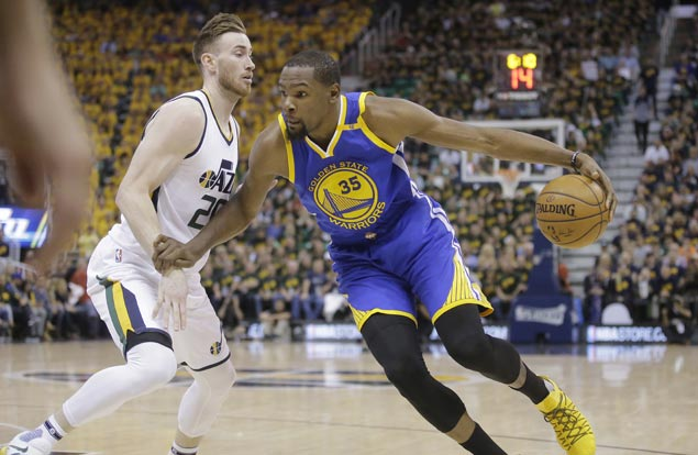 Warriors close in on conference finals with big win over Jazz