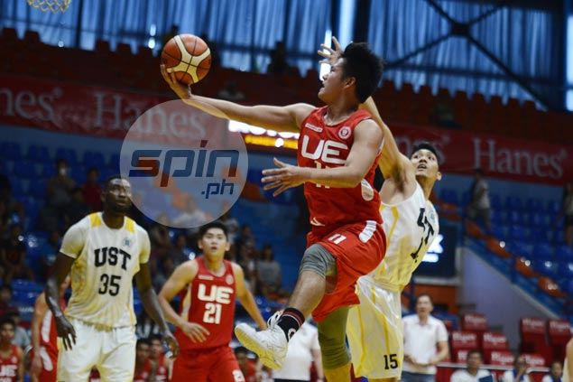 Clark Derige shines as UE Red Warriors pull away late to keep UST Tigers winless