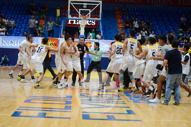 UST's Marvin Lee, Ramil Tero of La Salle suspended one game for Filoil Cup fistfight