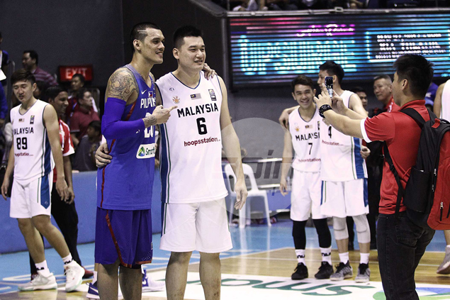 Raymond Almazan unselfish with selfies, but puts foot down on jersey swaps