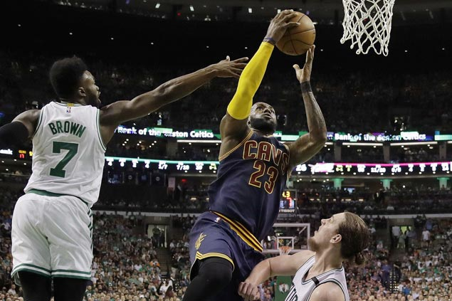 LeBron James, Cavaliers show no sign of rust in Game 1 rout of top-seeded Celtics
