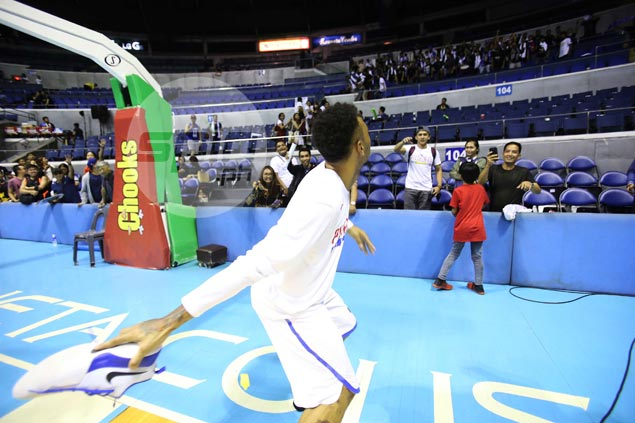Calvin Abueva gives away game-worn shoes to thank Ultras Filipinas for Gilas support