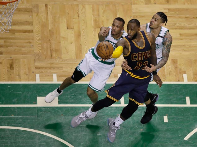 Isaiah Thomas says Celtics can't allow 'physical' Cavaliers to have their way