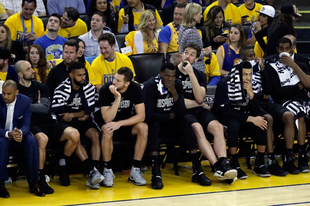 Kawhi Leonard injury - and Warriors' superior firepower - snuffing life out of Spurs
